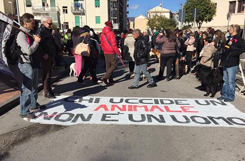 Uccise cagnolina a calci, Antonio Fuoco fa ricorso in Appello