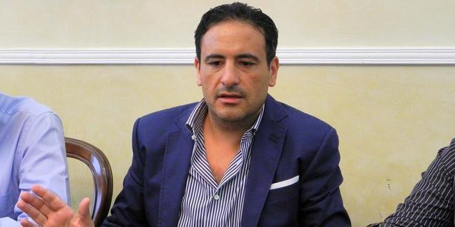 Abusi edilizi nella casa dell'ex sindaco di Scafati, blitz con sequestro