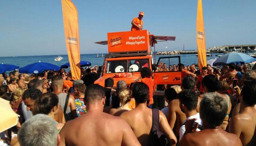 Il tour di Aperol Spritz colora di arancione la città di Salerno