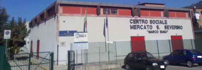Crolla tetto del liceo a San Severino, 700 alunni in sciopero dopo lo choc