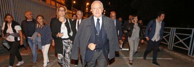 """De Luca alla Casa del Portuale di Salerno, """"Rapporto consolidato grazie alle competenze"""""""