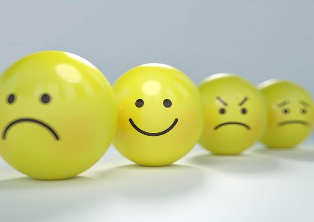 Gli emoji ironici fanno sussultare il cervello