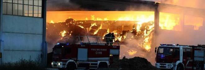 Incendio in un cointainer a Boscoreale, muore un bracciante agricolo