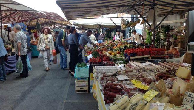 """L'Anva Salerno: """"I mercati di generi alimentari saranno aperti nei 15 giorni di lockdown"""""""