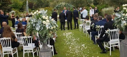 Matrimoni, distanziamento e mascherine