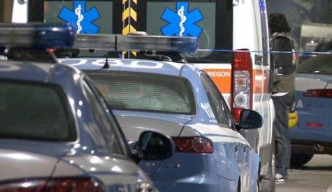 Salerno: donna prende auto a martellate in via Loria