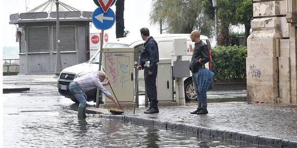Salerno e le sue fragilità: la città era una piscina dopo le precipitazioni temporalesche