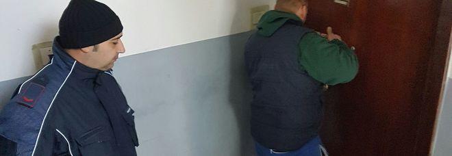Eboli, sfratto a 93 abusivi: arriva l'Esercito nelle case popolari