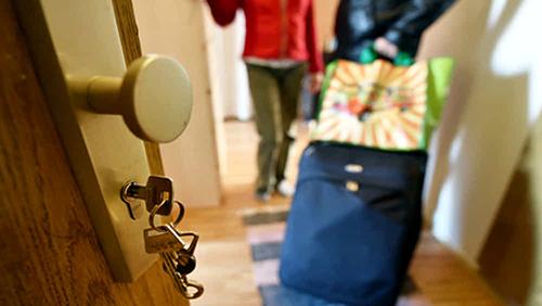 Salerno: evasione tassa di soggiorno, pugno d\'uro del Comune - il ...