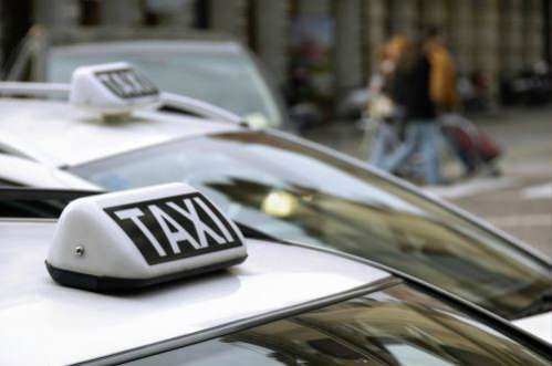 Amalfi, aggredì due turisti: revocata licenza a tassista