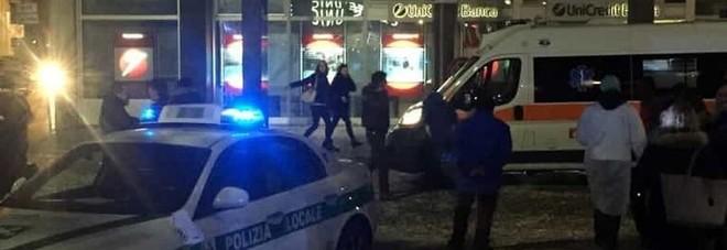 Extracomunitario ubriaco semina il panico a Nocera: feriti due agenti