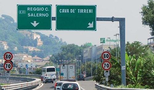 Tratto A3 da Salerno a Cava interdetto a mezzi pesanti per 3 mesi