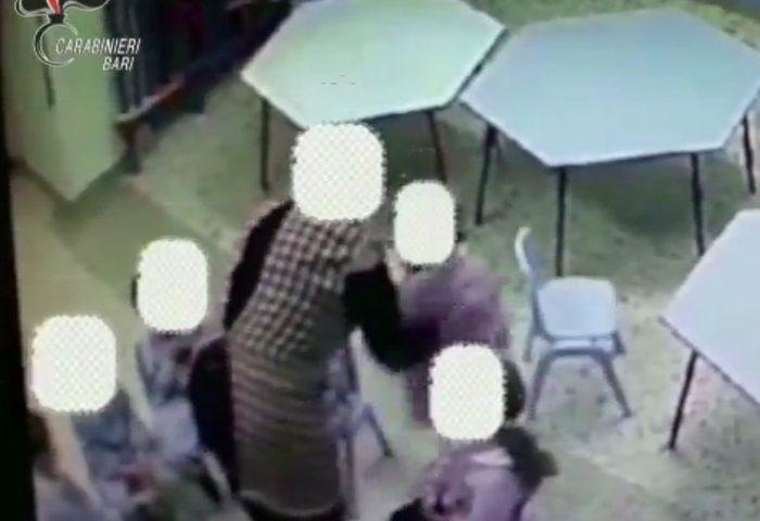 Bimbi maltrattati a scuola, arrestate 4 maestre