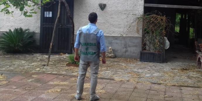 Area demaniale occupata: scattano i sigilli a Eboli
