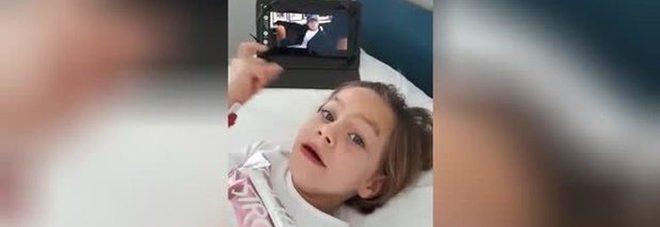 """Lua e la magia della voce di Bocelli: così la bimba malata balla """"Perfect"""""""