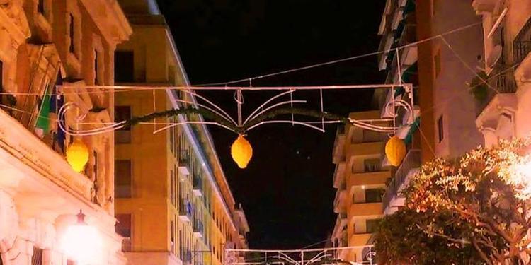 Luci d'Artista a Salerno, dalla Regione Campania 400mila euro per navette e bus integrativi