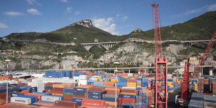 Porto di Salerno, ok al dragaggio. Ma tra un anno