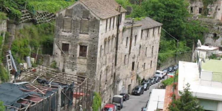"""La Provincia di Salerno è in bolletta e """"svende"""" i suoi tesori"""
