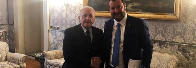 Salvini, feeling con De Luca: «Io suo allievo? Lo supererò»