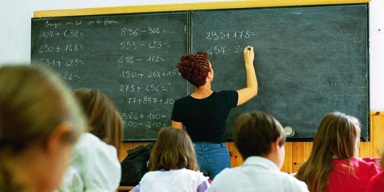 C'è l'addio alla scuola in Campania. Rinunciano 15 su 100 nel Salernitano