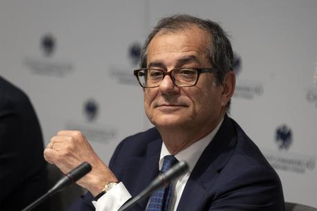 Tria all'Eurogruppo, primo test europeo per Def-manovra