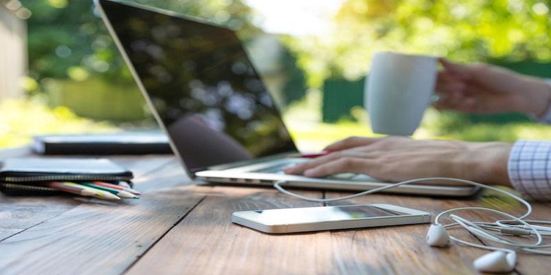 Lavoro: i rischi della tecnologia superconnessa e dello smartworking