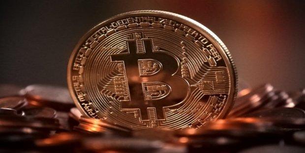 Bitcoin è una truffa? La tecnologia più inutile della storia secondo Roubini