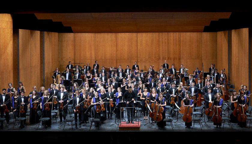 Musica classica, Intesa Sanpaolo porta i giovani alla Scala