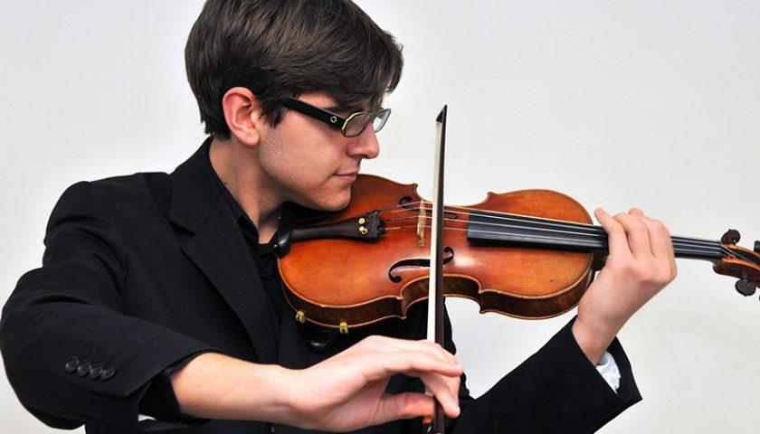 Domenica sera al duomo il violino di Gennaro Cardaropoli con Orchestra Sinfonica di Salerno
