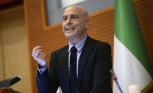 Minniti elogia De Luca: «A lui il merito di aver cambiato Salerno»
