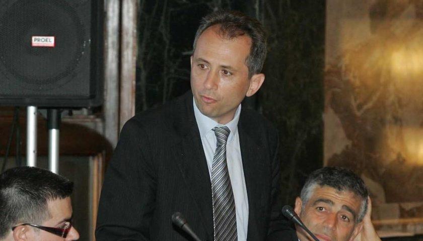 """La vicenda dehors approda in Consiglio comunale, Celano (FI): """"L'amministrazione non guarda a chi paga le tasse e produce"""""""