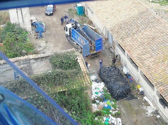 Battipaglia: illeciti sversamenti di rifiuti, sequestri e denunce
