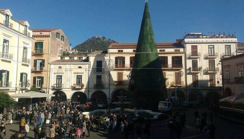 Cava de' Tirreni: sabato si accende il grande albero