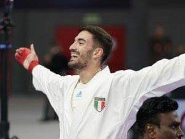 Karate: Targa di benemerenza per il campione del mondo Angelo Crescenzo di Sarno