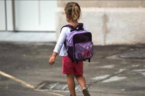 Abusi sessuali sul nipotino nella gelateria di famiglia: nonno verso il rinvio a giudizio