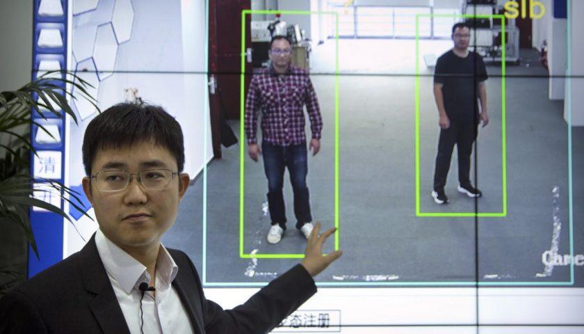 Individuare le persone in base alla camminata? In Cina la tecnologia comincia ad essere implementata