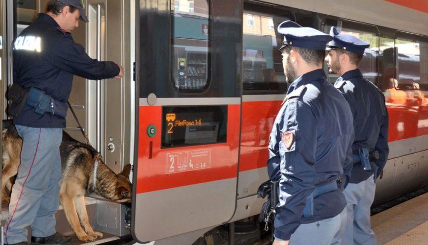 Stazioni Sicure, anche in Campania controlli straordinari a viaggiatori e bagagli: arresti e denunce