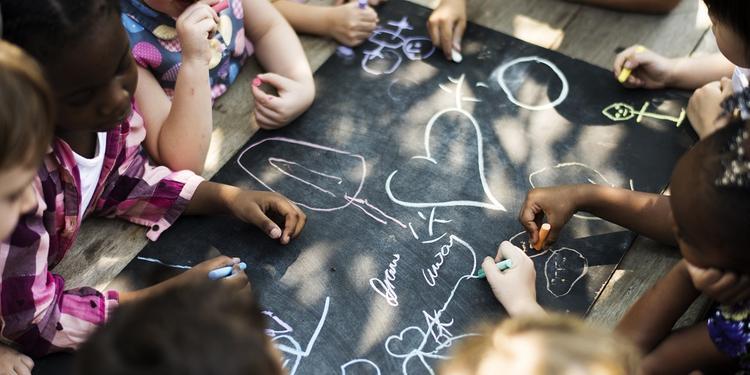 Dossier immigrazione, a Salerno l'integrazione nasce anche tra i banchi di scuola