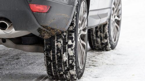 Guida in inverno: da oggi gli pneumatici invernali sono obbligatori