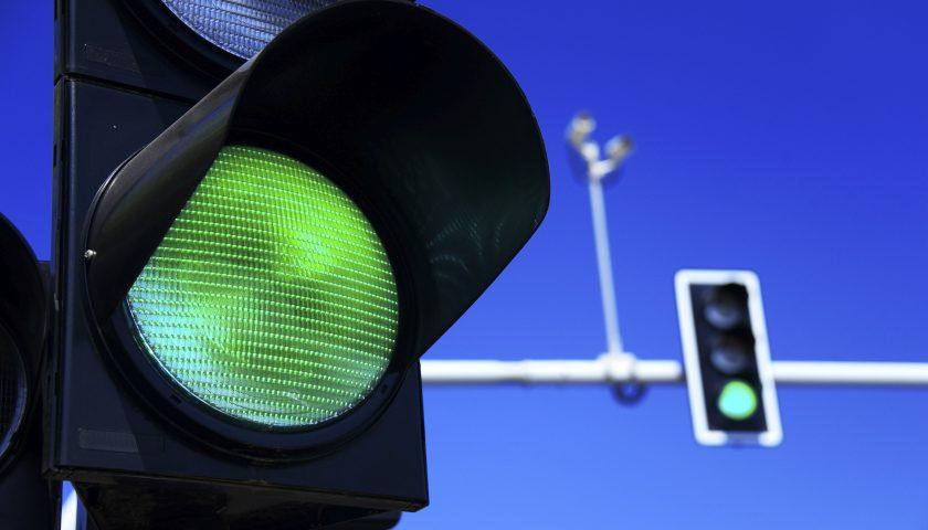 Arriva la tecnologia per trovare sempre semaforo verde