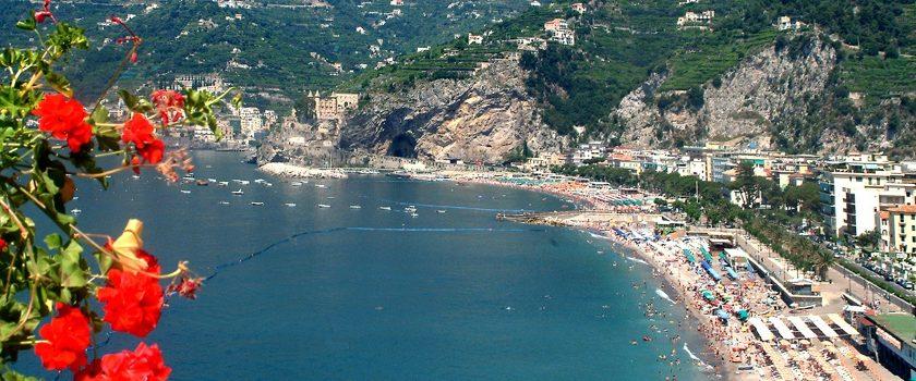 """La conferenza dei sindaci della Costiera Amalfitana: """"Molte strutture qui rischiano di non aprire"""""""