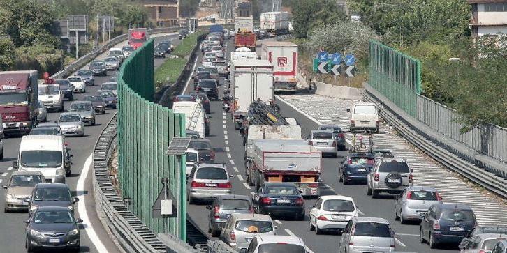 Raccordo Salerno-Avellino, cala il silenzio sui fondi