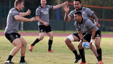 Rugby, gli All Blacks non cambiano contro l'Italia: confermati i fratelli Barrett