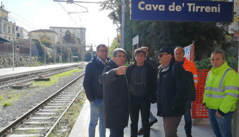Sopralluogo del sindaco Servalli e dell'assessore Senatore ai lavori di ristrutturazione della stazione Fs di Cava de' Tirreni