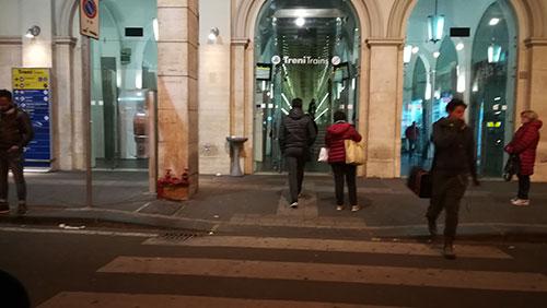 Salerno, ruba negli spogliatoi dei ferrovieri: arrestato