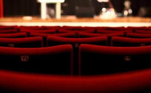 """Spettacoli: Salerno, """"Questi fantasmi"""" al Teatro delle Arti"""