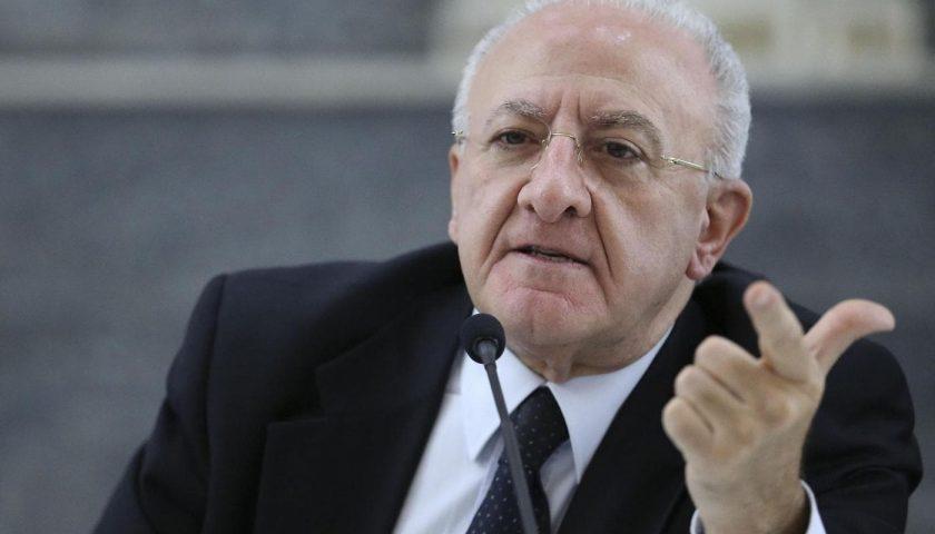 """De Luca: """"Abbiamo impegnato un miliardo di euro per l'economia campana"""""""
