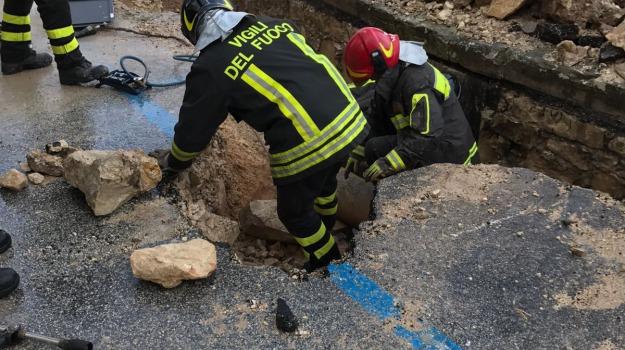 """Forte odore di gas in città, Salerno Energia tranquillizza: """"Guasto in via di riparazione ad una tubatura, nessun pericolo"""""""