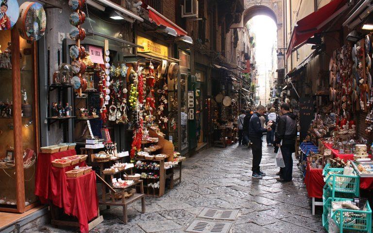 Napoli soffoca per il turismo? Per il Sole 24 Ore i modelli da seguire sono Salerno e Firenze