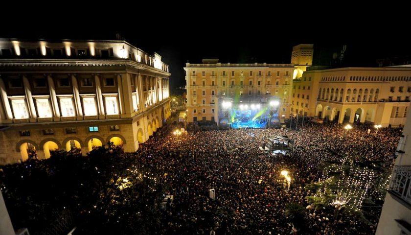 Capodanno a Salerno: tutto pronto per Max Gazzè e Clementino, attese in piazza oltre 40mila persone